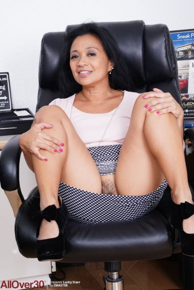 Cute latina mature Lucky Starr shows off her hairy pussy