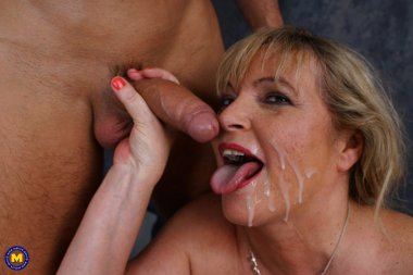 This naughty cougar loves to suck and fuck a hard throbbing cock