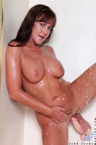 Brunette big boobs mature housewife masturbate in the shower