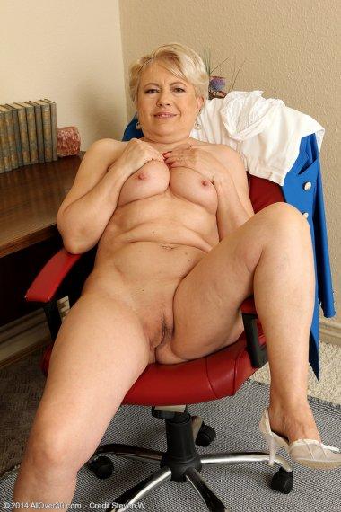 58 year old secretary Mimi breaks from steno to spread her legs